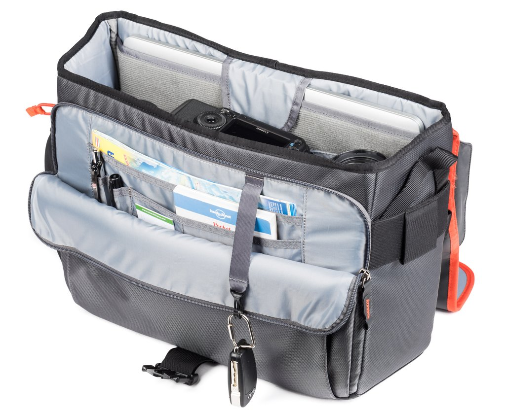 """Internal, dedicated laptop compartment (13 fits 13"""", 15 fits 15"""" laptops)"""